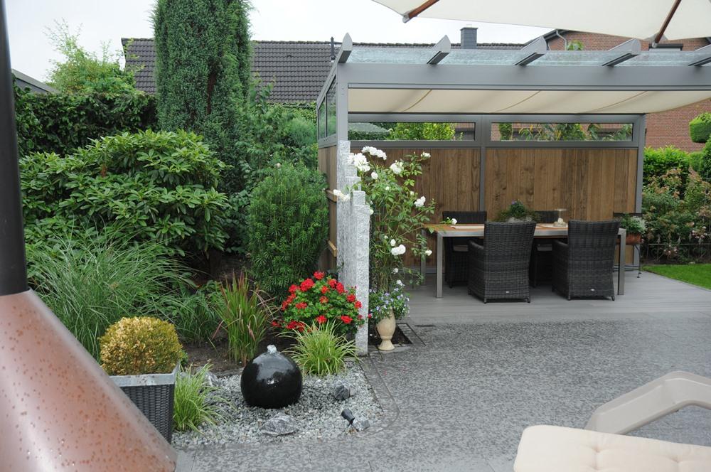 terrasse mit berdachung galabau. Black Bedroom Furniture Sets. Home Design Ideas